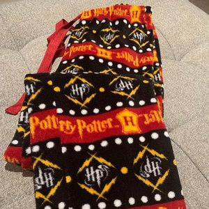 Harry Potter flannel pajama bottoms, small